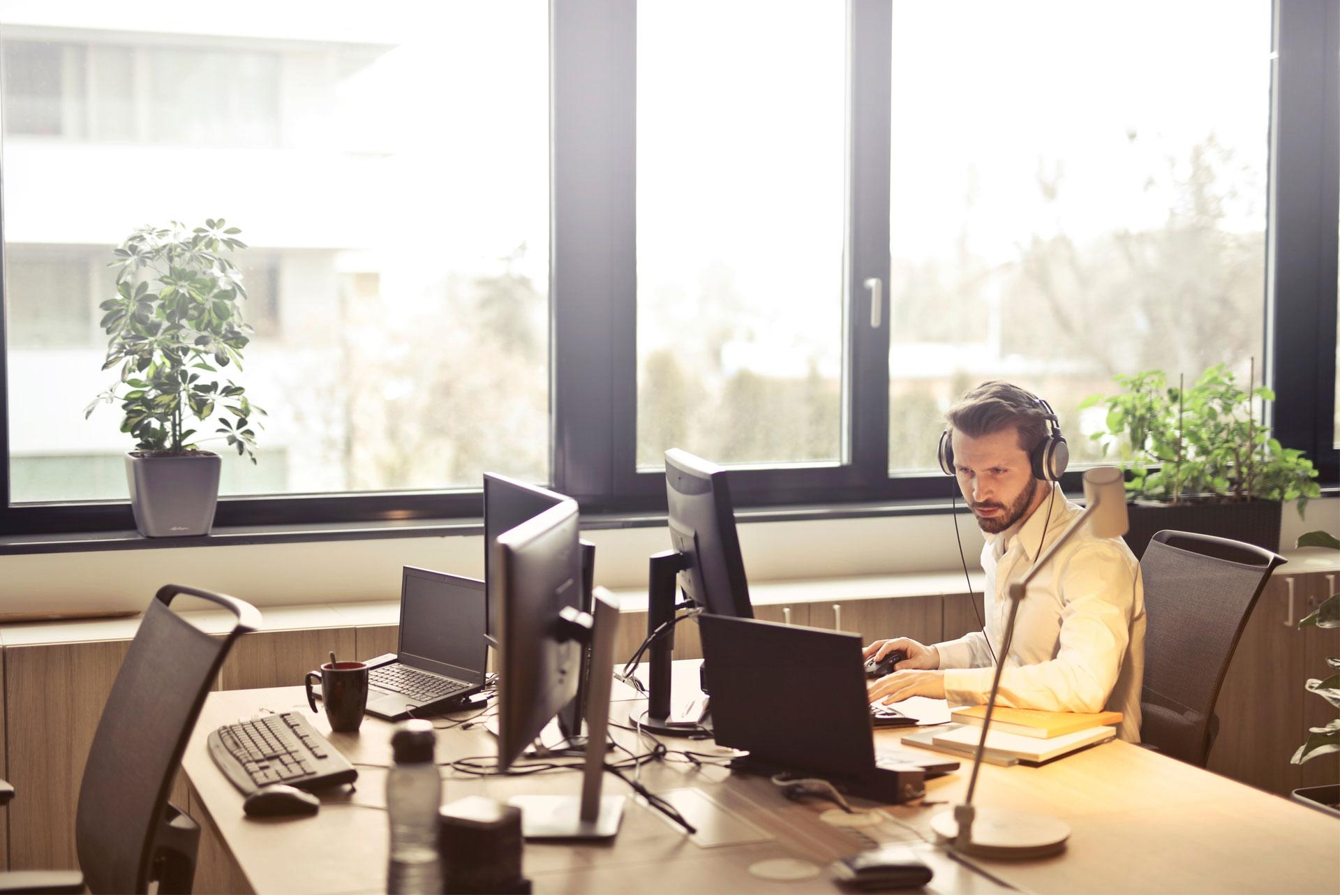 How Do Conference Calls Work to Save Your Business Time?